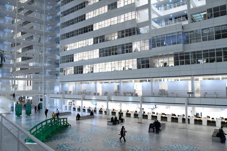 Het Haagse stadhuis heeft de bijnaam 'IJspaleis'.  Beeld Hollandse Hoogte / Peter Hilz