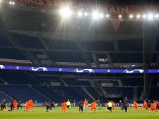 Makkelie doet met spelers PSG en Istanboel Basaksehir mee aan racisme-statement