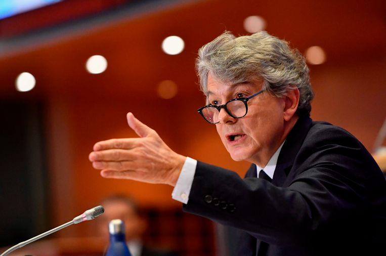 De Franse kandidaat-commissaris Thierry Breton aan het woord in het Europees Parlement.  Beeld AFP