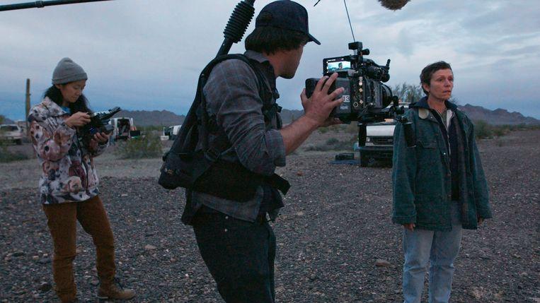Het filmen van 'Nomadland' was een roadtrip van vijf maanden. 'Sommige dagen waren geweldig. Andere dagen vroeg ik me af waarom ik dit in godsnaam deed.' Beeld AP