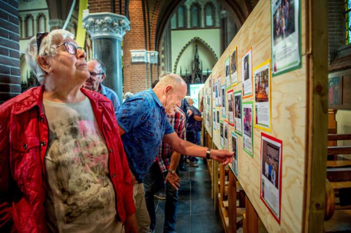 Speuren naar vroeger tijdens jubileumfeest van de Sint Annakerk in Bergharen.