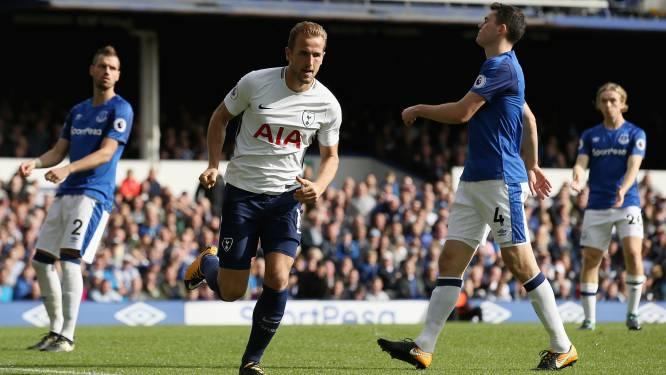 Tottenham dankt Kane in simpele zege op veld van Everton - Courtois veroorzaakt strafschop, maar Chelsea wint in Leicester