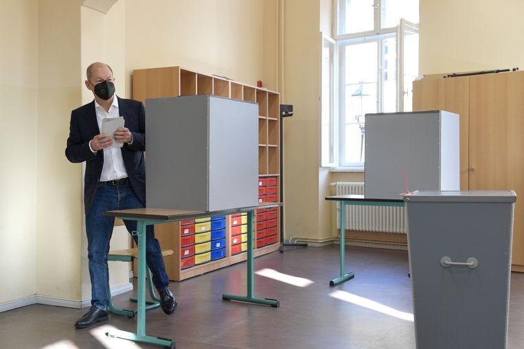 SPD-kandidaat Olaf Scholz bracht zijn stem al uit. Beeld Getty Images