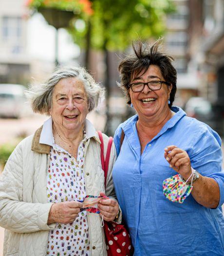 Duitsers zijn niet ineens bang voor Nederland, maar Maja houdt in Enschede wel haar mondkapje op