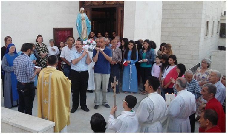 Parochiewerk in de Rooms-Katholieke Kathedraal van Aleppo Beeld