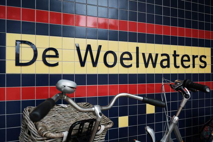 Basisscholen De Woelwaters in Ulft en Op Koers in Varsseveld bleven een dag langer dicht vanwege instortingsgevaar van de daken door sneewval.
