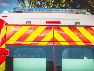 Fietsers botsen: vrouw (44) lichtgewond