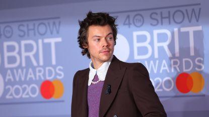 """Harry Styles zit vast in Californië: """"Ik mis mijn familie"""""""