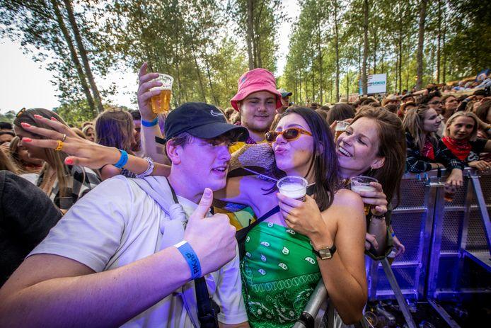 De sfeer kan niet stuk op het festival en testevent 'Boer Zoekt Bier' in Diepenbeek.