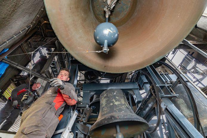 Het carillon van de Peperbus in Zwolle kreeg afgelopen jaar te maken met groot onderhoud. De klokken luiden op 14 april in het kader van 75 jaar vrijheid, op die dag bevrijdde Leo Major de Overijsselse hoofdstad.