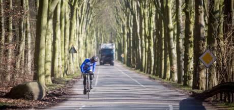 Bewoners Kievitsdel vrezen voor veiligheid fietsers als zwaar vrachtverkeer door de straten in hun wijk blijft rijden