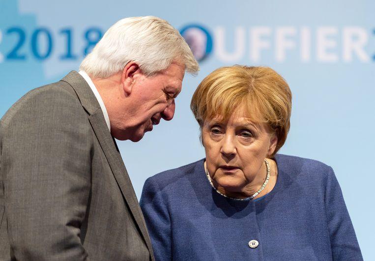 Angela Merkel komt steeds meer onder druk te staan na een nieuwe nederlaag van haar partij bij de deelstaatverkiezingen. Beeld Silas Stein/dpa