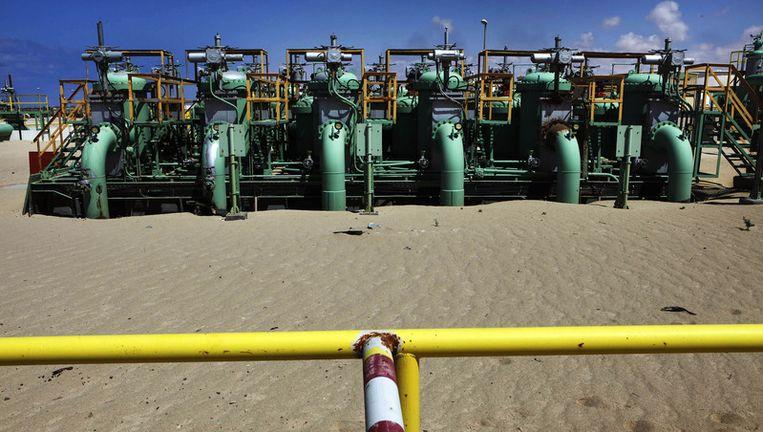 Olie-installaties nabij de Libische stad Ajdabiyah. Beeld REUTERS