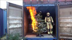 GETEST: Zo snel brandt jouw kerstboom