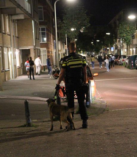 Jongeren bekogelen politie met stenen na beëindiging te druk feestje