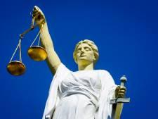 'Bedreiger en stalker' van jeugdbeschermers laat rechtszaak keer op keer schieten: 'Wie geeft 't zetje?'
