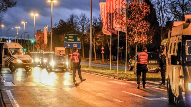 """Grote politiemacht om relschoppers in Kortrijk van antwoord te dienen: """"Vecht tegen het virus in plaats van op straat"""""""