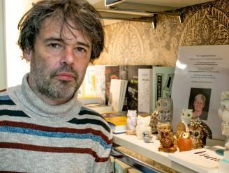 Tommy verkoopt uiltjesverzameling van overleden moeder voor Kom op tegen Kanker