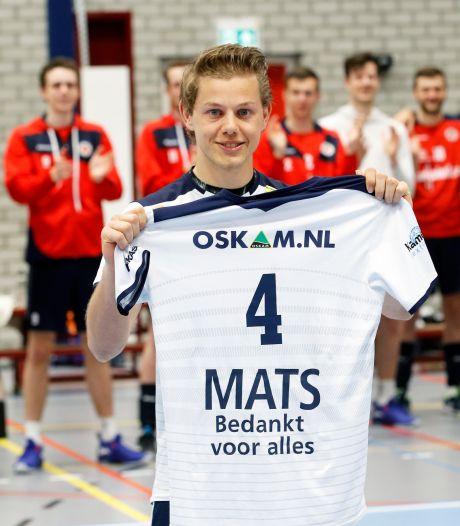 Volleyballer Mats Bleeker is tot tranen toe geroerd na afscheidswedstrijd bij Taurus