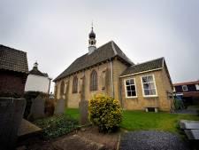 Zware gevulde kluis gestolen uit kerk in Nieuw-Vossemeer: 'Schade van tegen de 25.000 euro'