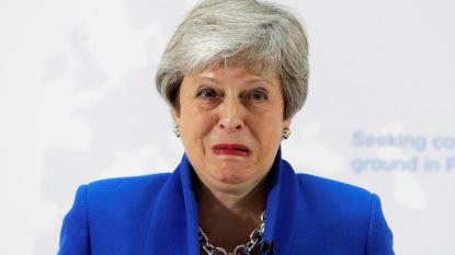 """Het ziet er niet goed uit voor wanhopige May en haar brexitdeal: """"Verraad"""""""