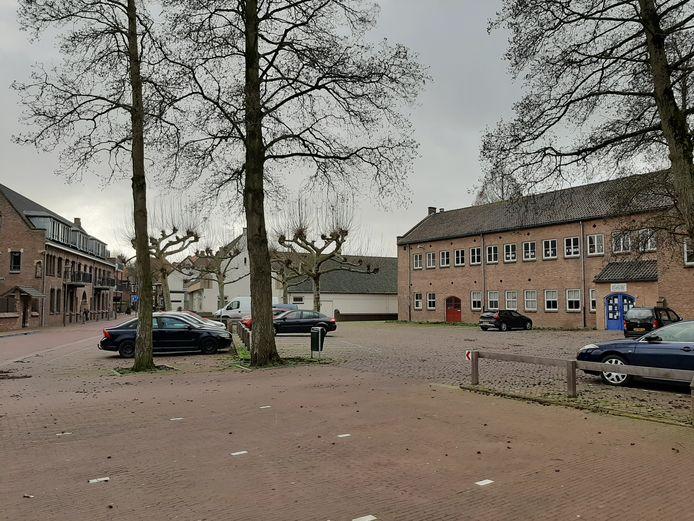 'Op zo'n dag passen vanzelfsprekend vlotte gesprekken over de Aloysiusschool in Huissen - een plan dat al ruim twintig jaar voortsukkelt.'