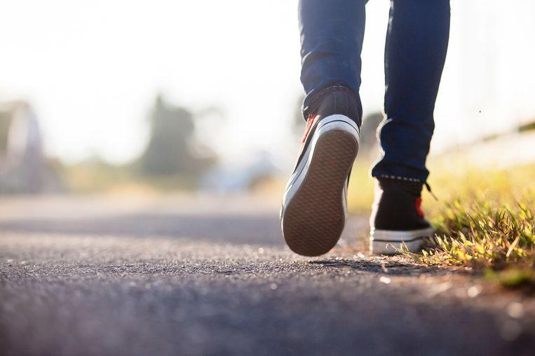 Door te bewegen blijf je makkelijker op gewicht. Beeld Shutterstock