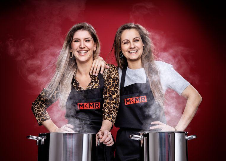 Vriendinnen Anne-Sophie De Bock (34) en Mira Ghyllebert (31) uit Overmere en Oostende.