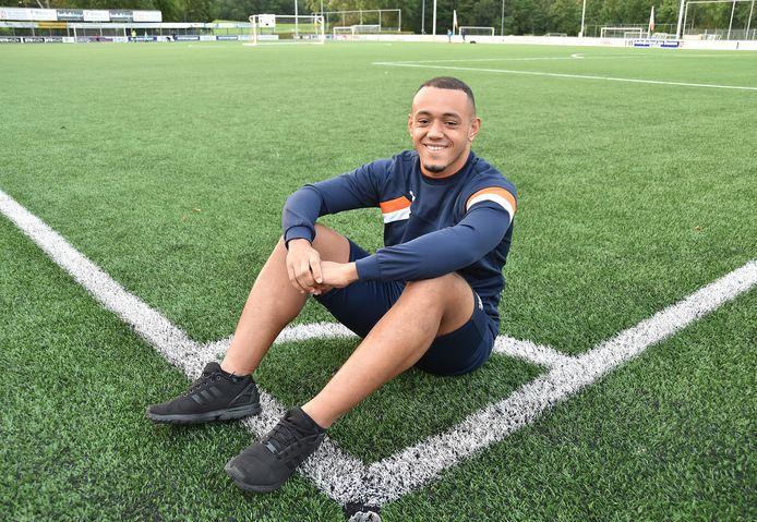 Jearlon Martina, één van de nieuwkomers bij Oranje Wit: ,,Ik speel nu met veel jongens met wie ik in een jeugdteam zat.''