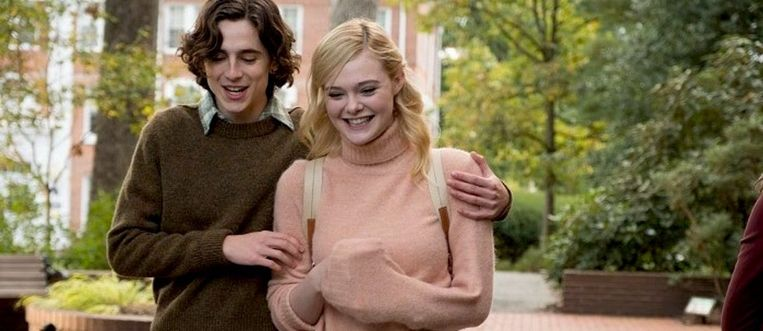 Timothée Chalamet en Elle Fanning in A Rainy Day in New York Beeld