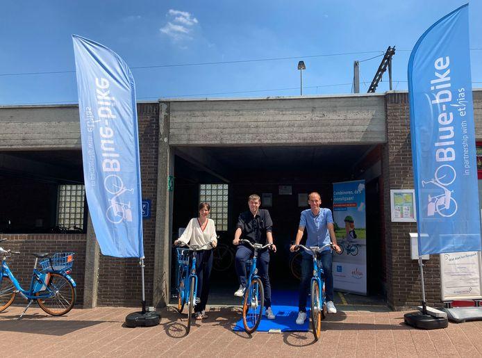 Deelfietsen ontlenen kan nu ook aan het station in Zottegem.