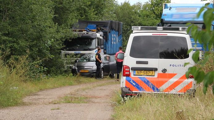 In augustus 2020 rolde de politie het drugslab in Wildervank op dat door de verdachten uit Zwolle en Deventer zou zijn gerund.