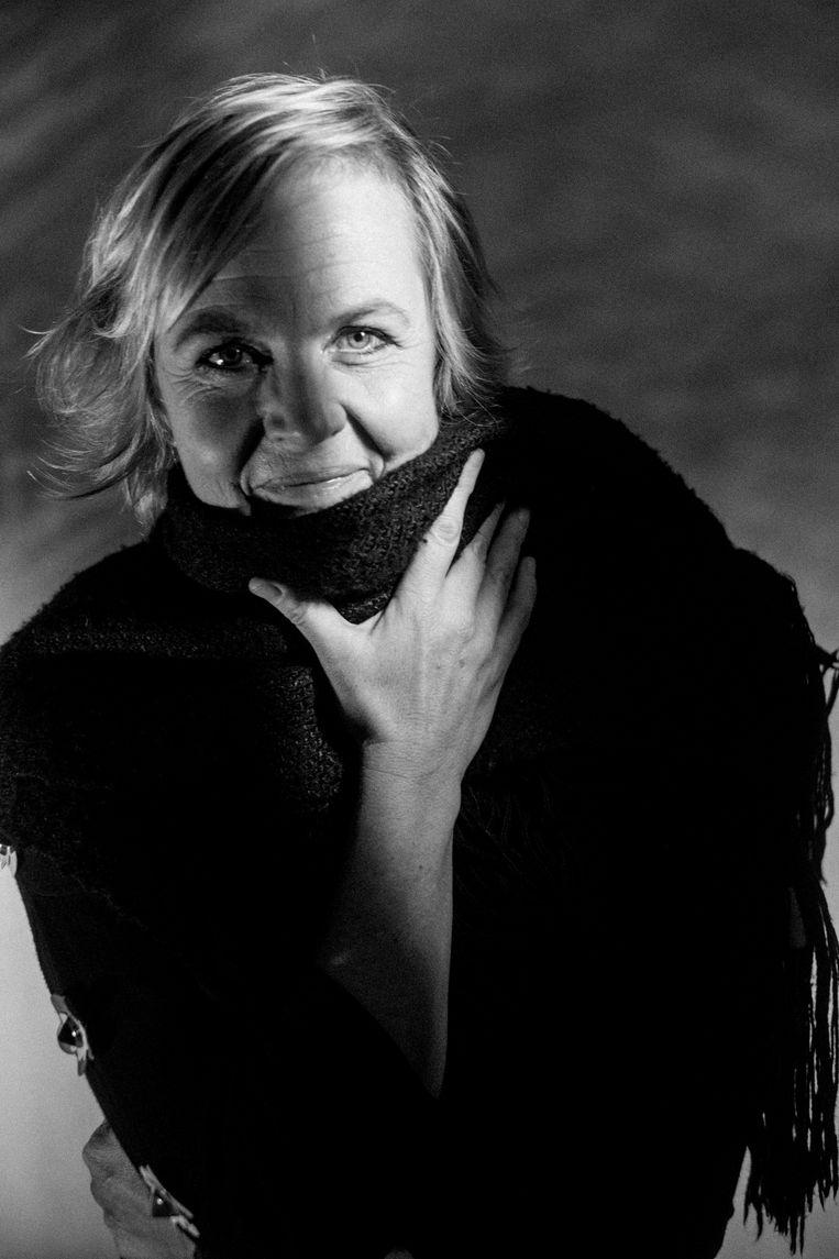 """Annemie Struyf: """"Mocht ik het leven niet als een cadeau ervaren, dan verdiende ik een flink pak slaag."""" Beeld Stefaan Temmerman"""