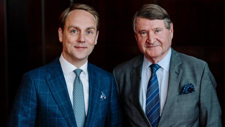 Tom Krooswijk (r), directeur van hotel De L'Europe, en zijn opvolger Edward Leenders. 'De helft van de tijd van het management gaat naar het selecteren en motiveren van medewerkers' Beeld Marc Driessen