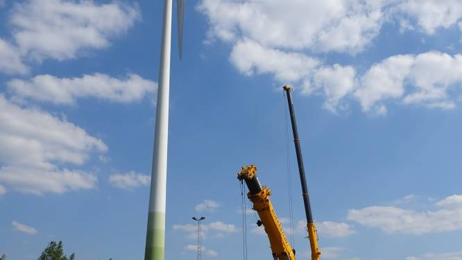 """Allereerste windmolen ooit  in Eeklo gebouwd, nu afgebroken: """"Dienst bewezen na 141.322 uren draaien"""""""