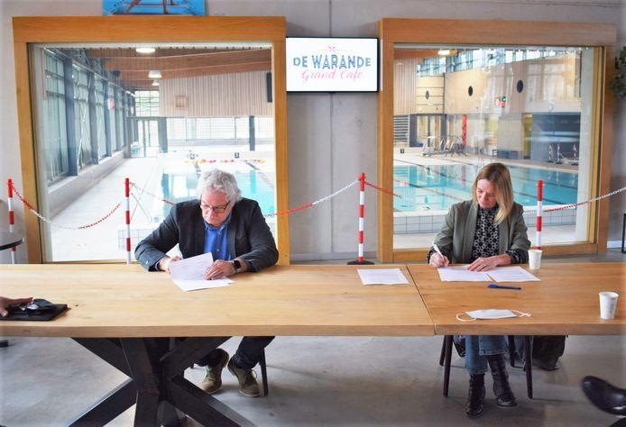 Ondertekening Samen Top en de gemeente Oosterhout.