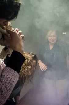 Brandoefening in verzorgingshuis in Halsteren: 'Het is wel erg spannend hoor!