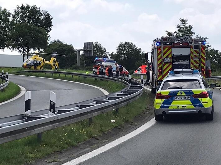 Een 28-jarige motorrijder uit Nederland is donderdagmiddag om het leven gekomen na een val op het verkeersknooppunt Gronau-Ochtrup.
