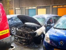Auto in brand in Zwolle, mogelijk brandstichting