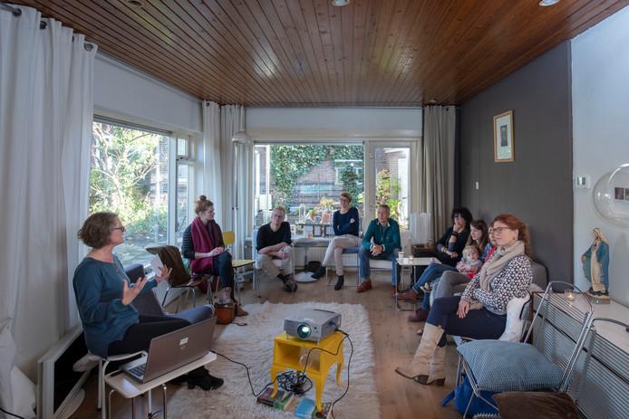 Een mini-college van Gemma van der Haar over vrouwen in oorlogstijd.