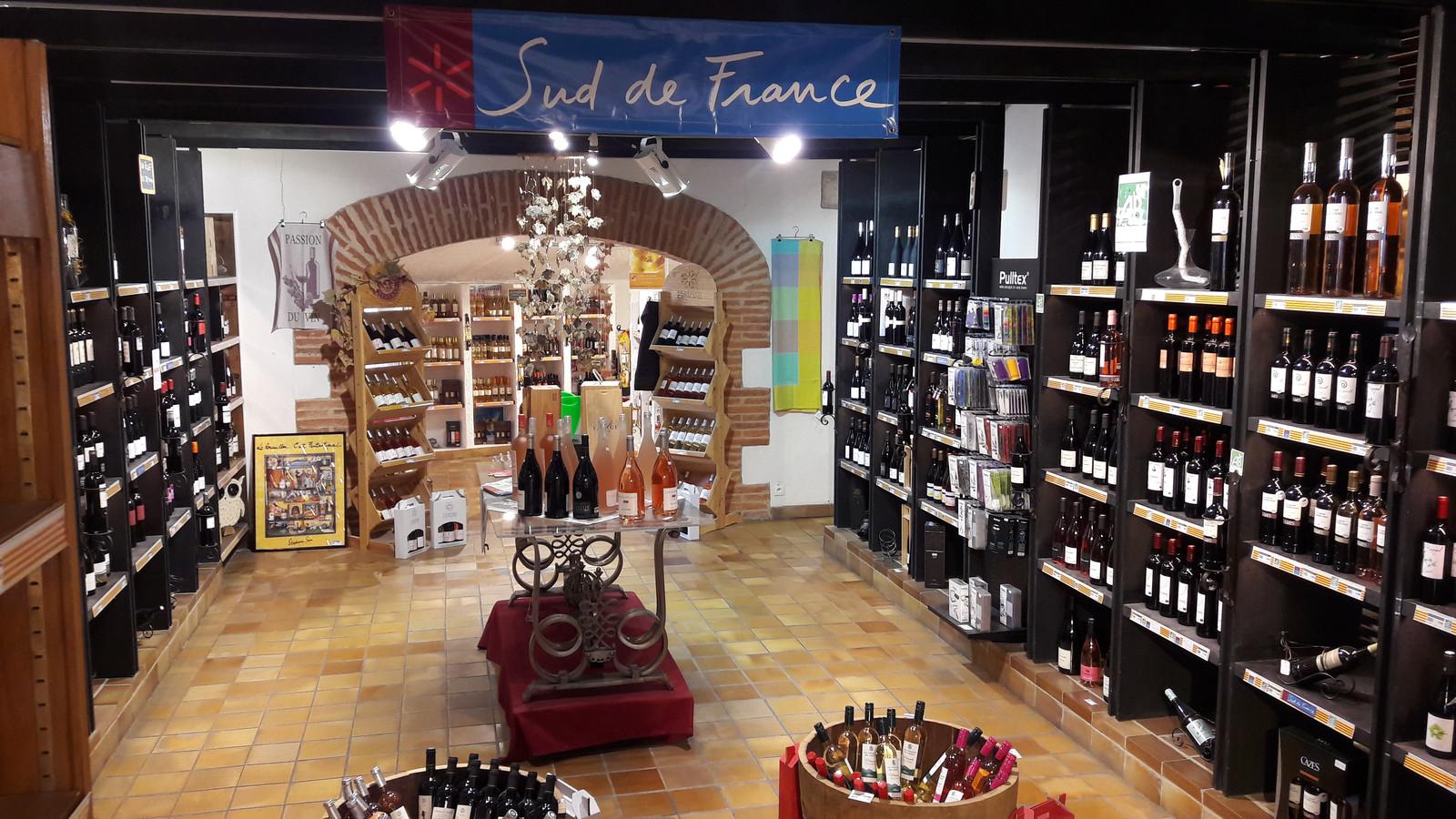 Volop wijn in de winkel met streekproducten