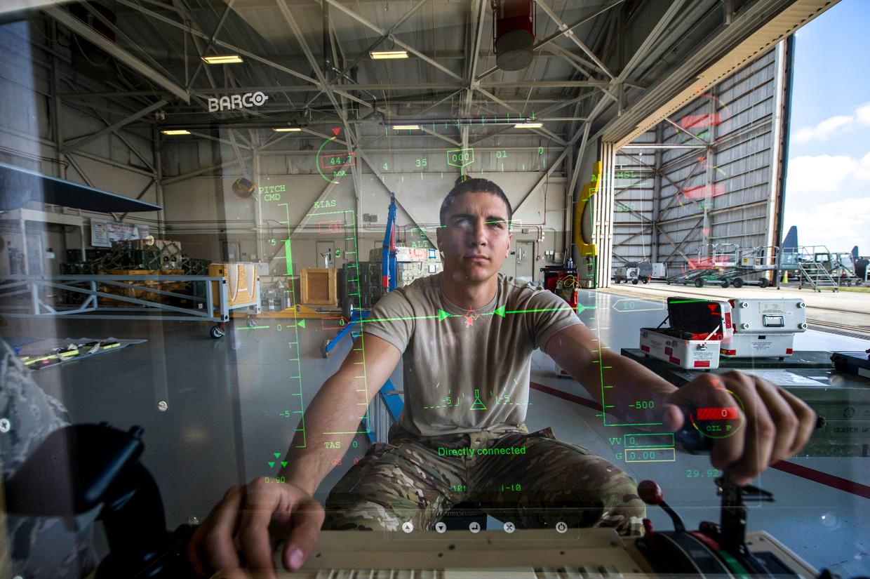 Een bestuurder van een MQ-9 Reaper van de Canon Air Force Base in Florida. Beeld U.S. Air Force