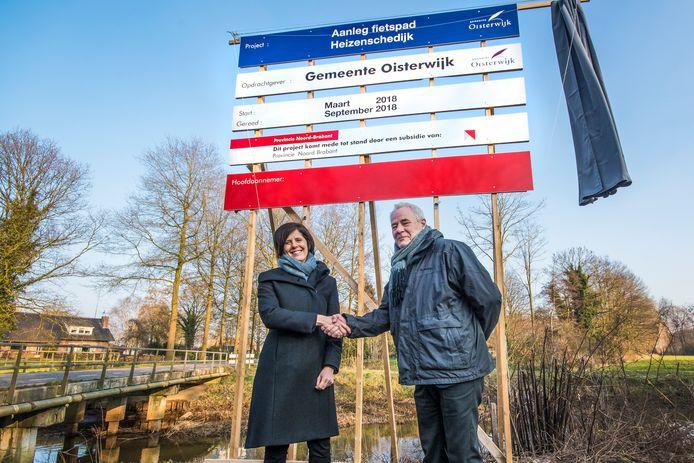 In 2018 onthulden de Hilvarenbeekse wethouder Sylvia Bloemsma samen met haar Oisterwijkse collega Sjef Verheoven het bouwbord voor het eerste deel van het fietspad tussen Haghorst en Moergestel.