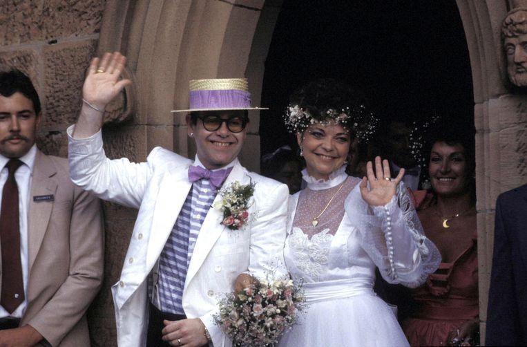 1984: Elton John trouwt met Renate Blauel. Beeld Getty Images