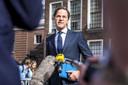 VVD-leider Mark Rutte geeft een reactie na een gesprek met informateur Mariëtte Hamer. Het is de vierde week van de gesprekken met Hamer over de formatie van een nieuw kabinet.
