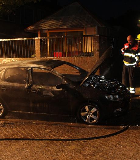 Auto brandt uit in Culemborg