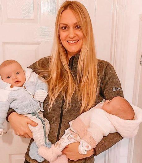 Cette Anglaise a donné naissance à des jumeaux conçus à trois semaines d'écart