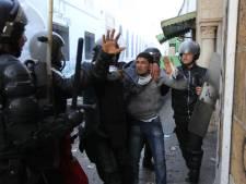 Heurts à Tunis, la Kasbah évacuée au lendemain du remaniement