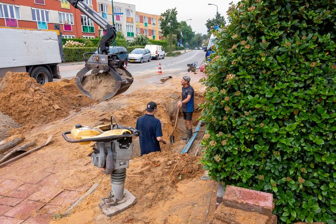 Zondagmorgen moesten reparateurs van waterbedrijf Vitens opnieuw uitrukken naar Soest, ditmaal naar de Beckeringhstraat.