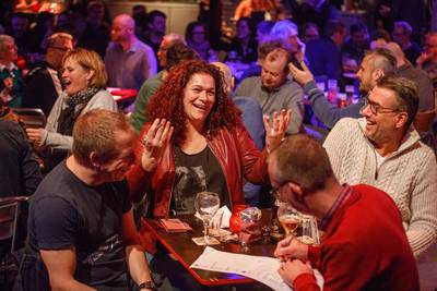 Internationale popquiz marathon in centrum Rotterdam